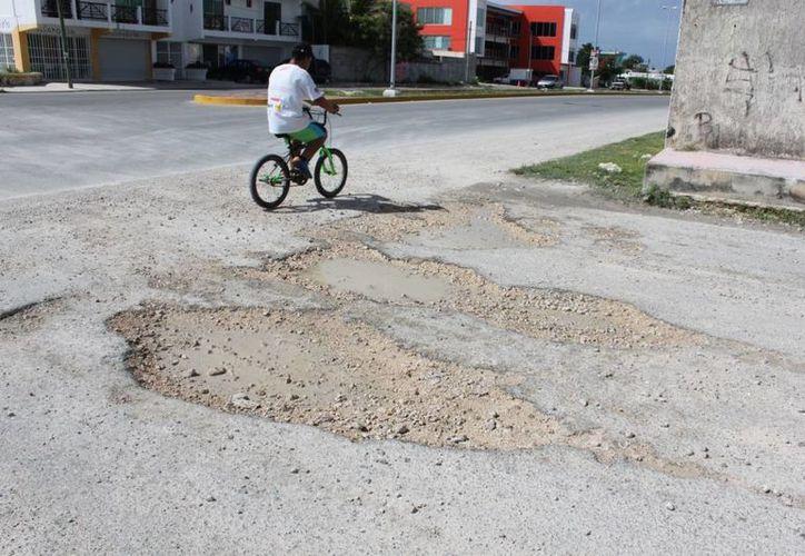Abandona Rafael Kantún Ávila obras de pavimentación. (Adrián Barreto/SIPSE)