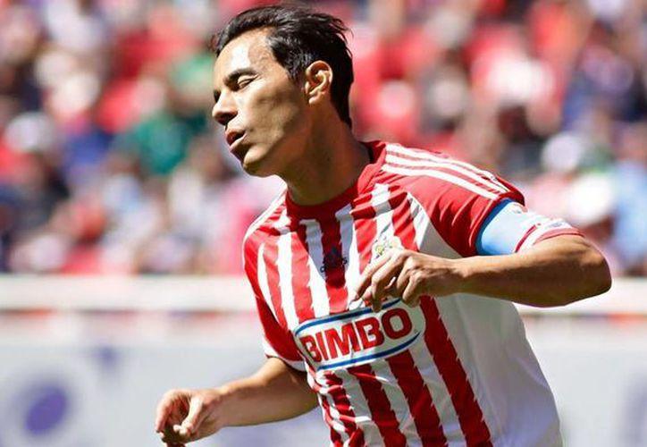 Chivas no gana y ni siquiera anota. Este domingo cayó 1-0 como local contra León en la Liga MX. (futboltotal.com)