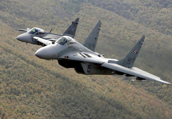 """Aviones de combate del tipo """"Mig"""". (EFE/Archivo)"""