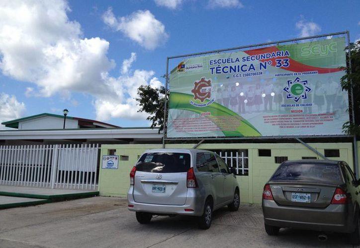 Las escuelas que han sido autorizadas como refugios anticiclónicos en Playa del Carmen aún deben ser revisados, según expertos. (Adrián Barreto/SIPSE)