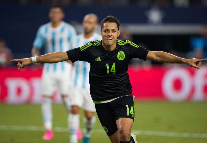 Javier Hernández formará parte de la selección que enfrentará la Copa América en su edición especial.(AP)