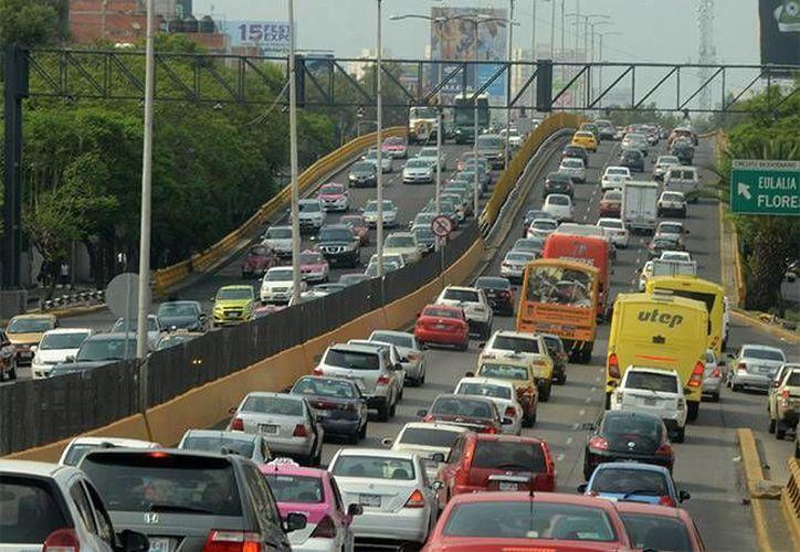 La SSPDF descarta reforzar la vigilancia con la entrada en vigor de la Norma Emergente Vehicular. (excelsior.com)