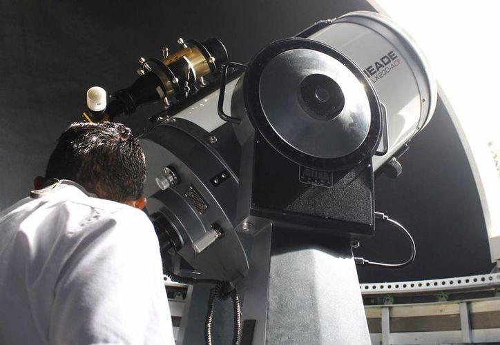 Para las observación en el Planetario Ka' Yok' se utilizan diferentes telescopios. (Yajahira Valtierra/SIPSE)