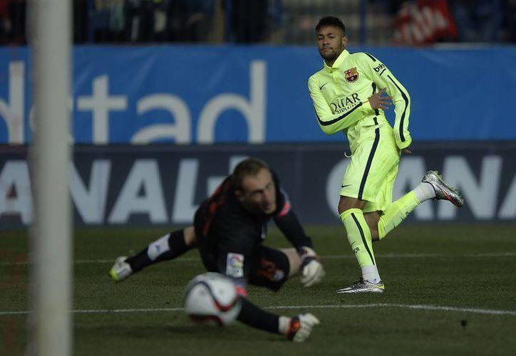 La estirada de Jan Oblak fue insuficiente para evitar que Neymar anotara por Barcelona ante Atlético de Madrid. (Foto: AP)