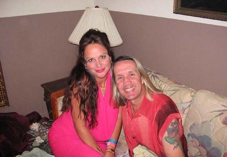 Rebecca y Nicko McBrain. Ella debió pagar 3 mil dólares para salir libre bajo fianza. (www.homepagemodules.de/Archivo)