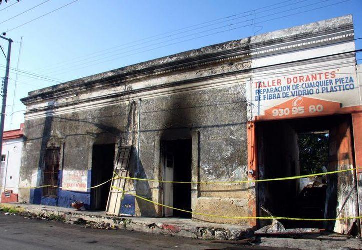 Fachada del taller de fibra de vidrio 'Dorantes', en el centro de Mérida. (Jorge Pallota/SIPSE)
