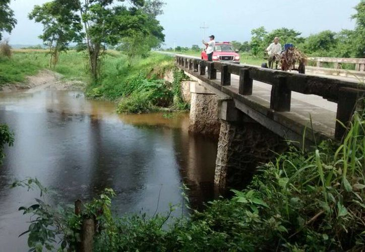 Los escurrimientos pluviales no representan riesgo para la población. (Redacción/SIPSE)
