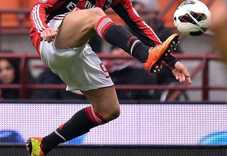A Stephan El Shaarawy solo le falta aprobar los exámenes médicos para completar su traspaso del AC Milan al Mónaco. (footballbettingodds.co.uk)