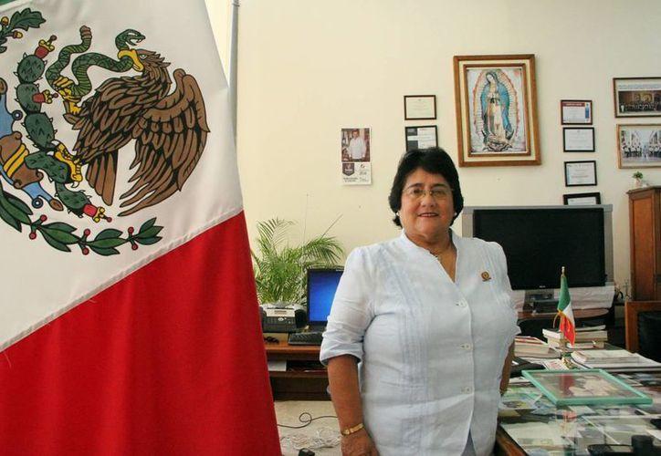 """""""José Jesús Esquivel Cantón, es el que me lleva a la Procuraduría, como subprocuradora de justicia del Estado, siendo la primera mujer en el cargo, y él un hombre confiando en una joven para este importante puesto"""", dijo Ligia Aurora Cortés Ortega. (Milenio Novedades)"""