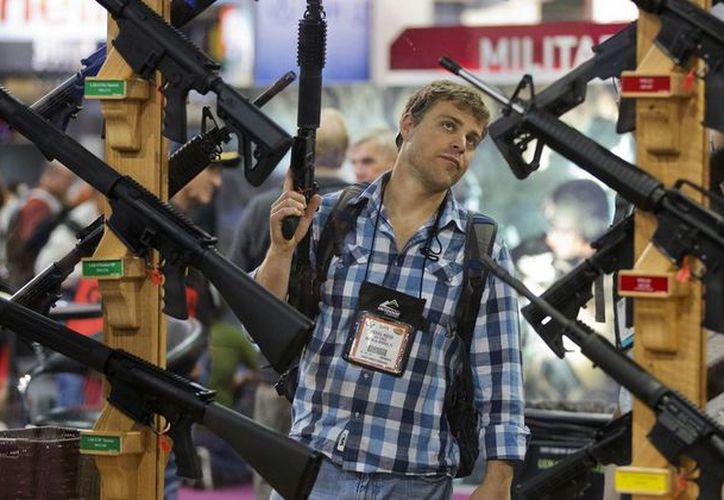 La feria de armas confirmó que no hará la exhibición tras la petición del alcalde Jack Seiler. (Foto: AP)