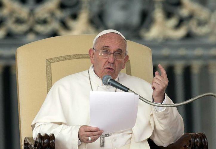 El Papa habló sobre el matrimonio ante unos 45 mil fieles. (Agencias)