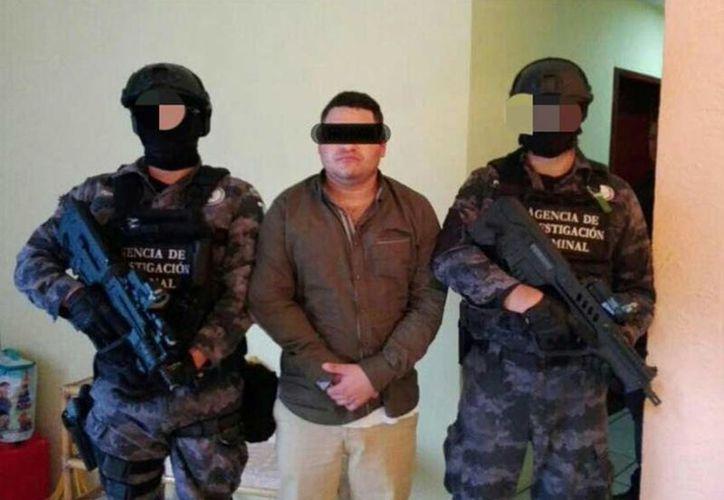 """""""César Rafael """"N"""", de 33 años de edad y originario de la ciudad de Guadalajara, es considerado como probable coordinador de una célula de un grupo delincuencial que opera en los estados de Jalisco y Colima.  (Excélsior)"""
