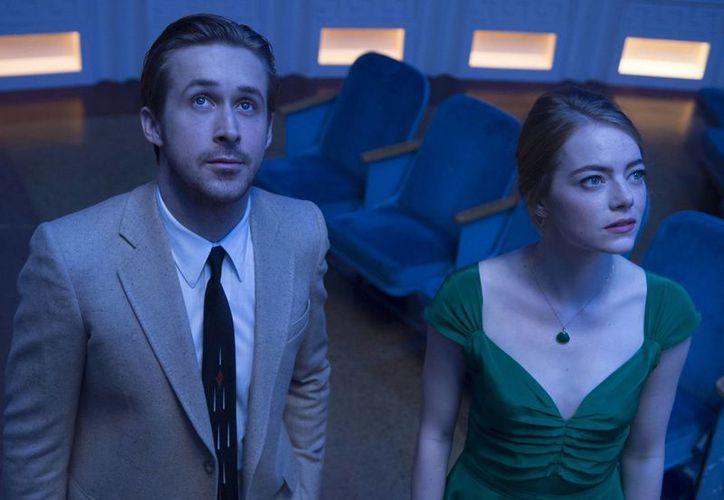 'La la land' sigue conquistando premios, previo a la entrega de los Oscar, en los cuales cuenta con un total de 14 nominaciones.(Foto tomada de Facebook/La la land)