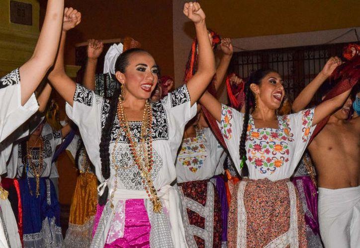 Los ritmos, la alegría y el colorido de Campeche serán los protagonistas del Espectáculo Luz y Esencia de mi Pueblo en Yucatán. (Notimex).