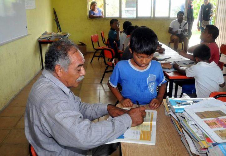 Esperan que la  nueva naturaleza del modelo sea capaz de abatir problemáticas como la deserción escolar y la falta de equidad educativa, entre otras. (Archivo/Notimex)