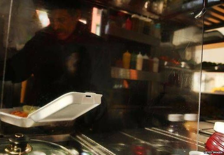 El uso de platos de unicel es muy común, sin embargo es peligroso si termina en los ecosistemas marinos. (BBCMundo)
