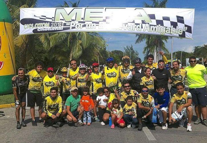 Las categoría Élite, Juevenil y Máster de las competencias contrarreloj, de 22 kilómetros y de circuito, de 70. (Alberto Aguilar/SIPSE)