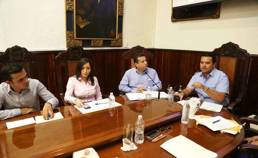 En la sesión de Cabildo de este jueves se aprobó la emisión de licitaciones para obras y adquisición de equipo. (SIPSE)