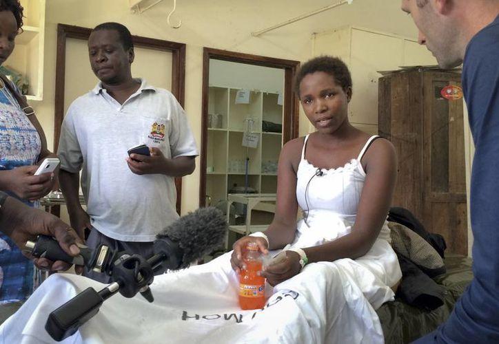 Cynthia Cheroitich fue rescatada del ropero donde se escondía dos días después de la masacre en la Universidad de Garissa. (AP)
