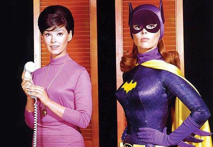 Yovnne Joyce Craig, quien  interpretó a Batgirl en serie de TV Batman, falleció a los 78 años de edad. (excelsior.com.mx)