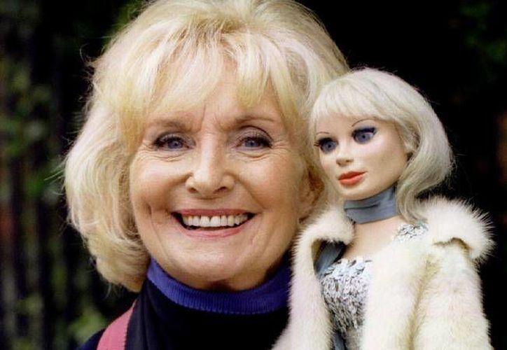 En la foto, Sylvia Anderson, voz de Lady Penélope en la serie 'Thunderbirds'. (AP)