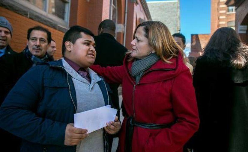 La puertorriqueña Melissa Mark-Viverito, presidenta del Concejo Municipal de Nueva York, dijo que ahora ningún menor ilegal en el estado estará desprotegido. (observer.com)