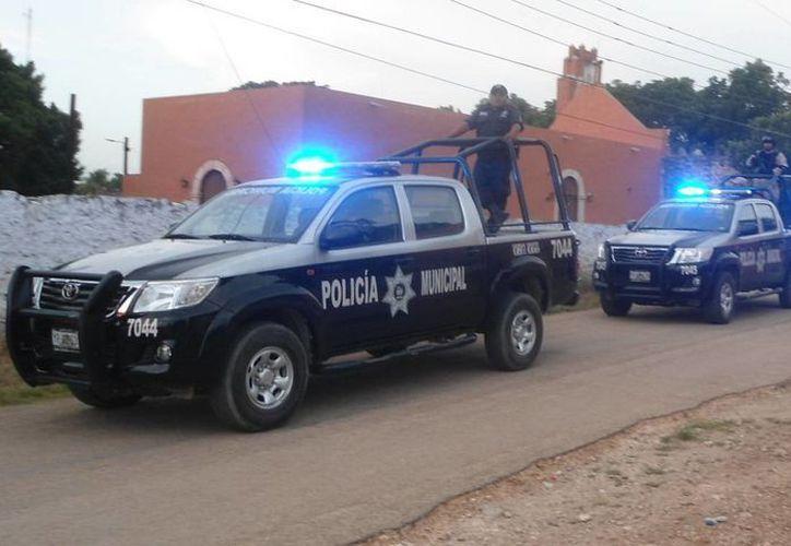 Imagen de policías estatales durante sus rondínes en Tekax. (Milenio Novedades)