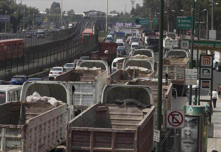 El sector transporte, de los más castigados por prácticas monopólicas en México. (Archivo/Notimex)