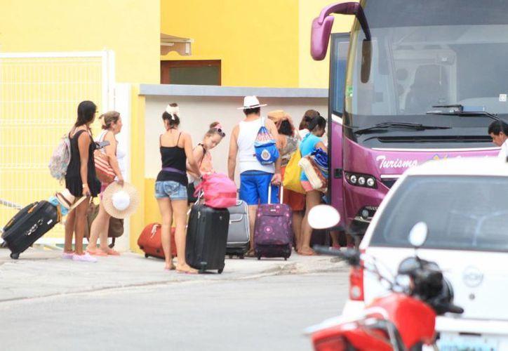 La Sedetur niega que haya afectación en la llegada de turismo debido al sargazo en las playas de Q. Roo. (Adrián Barreto/SIPSE)