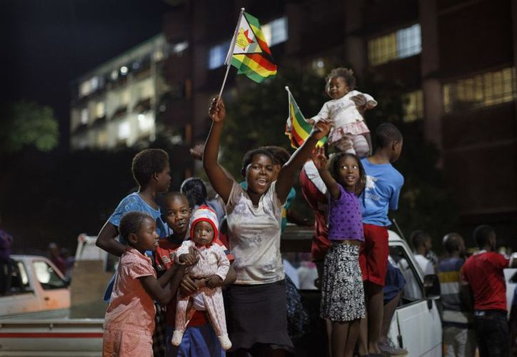 Mnangagwa, de 75 años, será juramentado el viernes, tras la salida del poder de Mugabe. (AP)