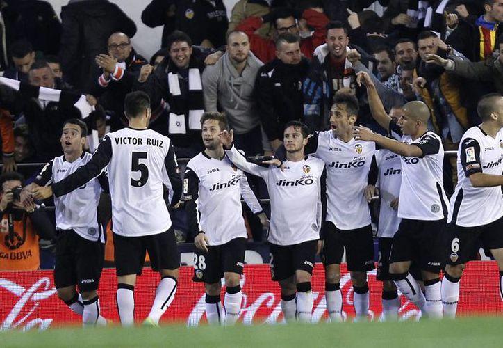 El club Valencia podría ser vendido para saldar problemas financieros. (Agencias)