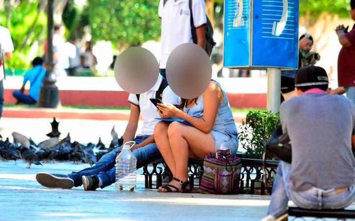 El uso de las redes sociales para mantener un control sobre la pareja puede convertirse en una enfermedad de salud mental. (Archivo/SIPSE)