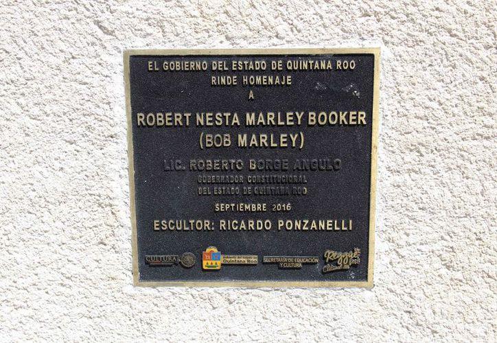 La estatua fue colocada hace dos años en un parque del Bulevar Bahía. (Joel Zamora/SIPSE)