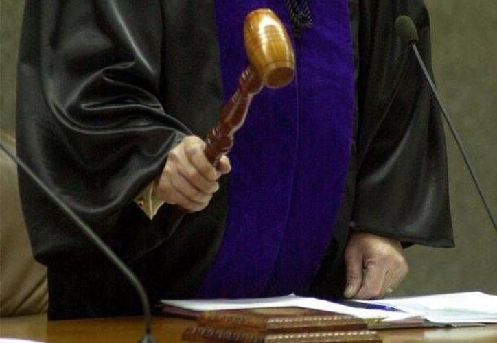 El magistrado Jorge Figueroa Cacho estará fuera de sus labores, y sin goce de sueldo, durante el tiempo que dure el proceso administrativo en su contra. (porlalibre.mx)