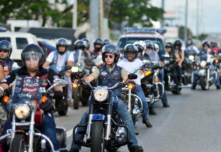 Nutrido grupo de motociclistas participó en la caravana de Mérida a Progreso de ida y vuelta. (Milenio Novedades)