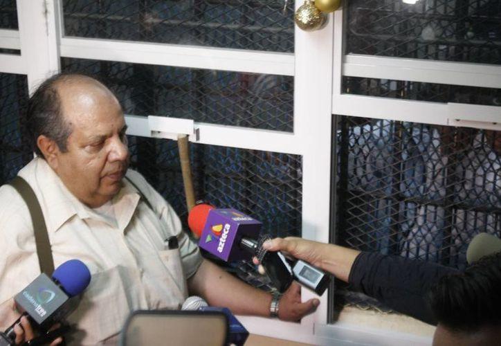 En el reclusorio de Morelia se han tomado medidas para mantener la seguridad y salud de Mora. En la foto, el abogado del jefe de las autodefensas de La Ruana, cuando se le dictó formal prisión a su defendido. (Notimex)