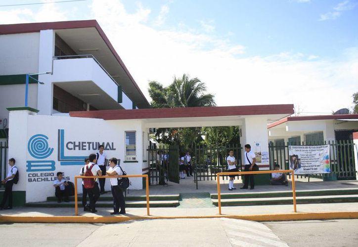 El programa Portabilidad Educativa  se trata de la recepción automática de los estudiantes en las preparatorias de Quintana Roo. (Harold Alcocer/SIPSE)