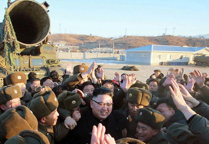 La semana pasada, Pionyang ejecutó una prueba de lanzamiento con un misil no identificado que se desplazó 60 kilómetros hacia el mar de Japón. (Reuters).