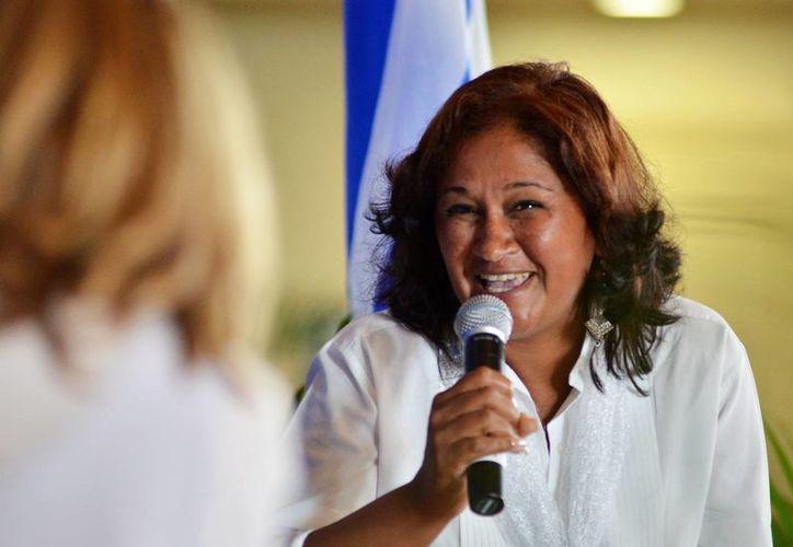 En la imagen, la exmiembro de las Damas de Blanco Belkis Cantillo, quien indicó que la líder del grupo 'la tenía muy humillada'. (EFE/Archivo)