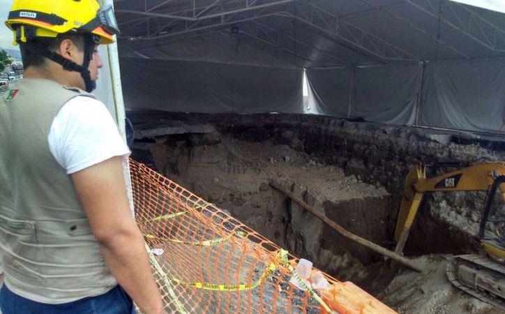 Los diez desalojados de cuatro domicilios viven a un lado de la barranca Santo Cristo. (Twitter/@Bermudez_FJ)