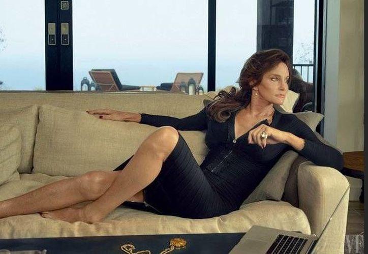 Jenner todavía no se ha sometido a cirugía genital pero, además de un tratamiento hormonal, ha pasado por un proceso de cirugía de 'feminización' facial. (Vanityfair.com)