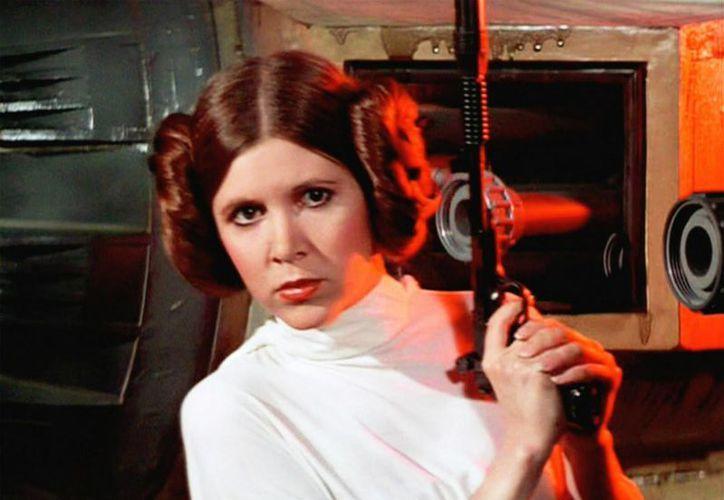 Carrie Fisher es recordada por darle vida a la Princesa Leia en la famosa saga Star Wars. (LucasFilm)