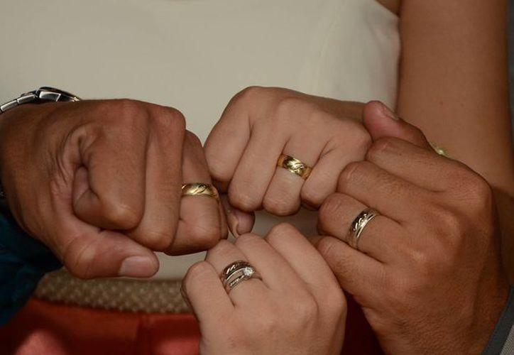 La iniciativa replante la idea de que el matrimonio solo es entre hombre y mujer.(Eddy Bonilla/SIPSE)