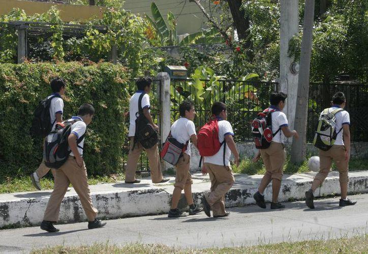Los 150 centros educativos de la capital permanecen vulnerables ante la delincuencia.  (Harold Alcocer/SIPSE)