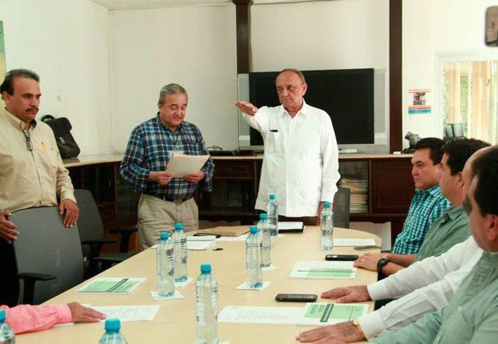 Carlos Erosa Correa tomó protesta como gerente del Firco, en Yucatán. (Jorge Acosta/SIPSE)