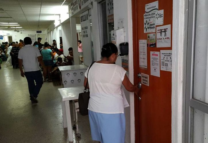 Madres de familia señalan que ha mejorado el servicio en algunos módulos. (Francisco Naranjo/SIPSE)