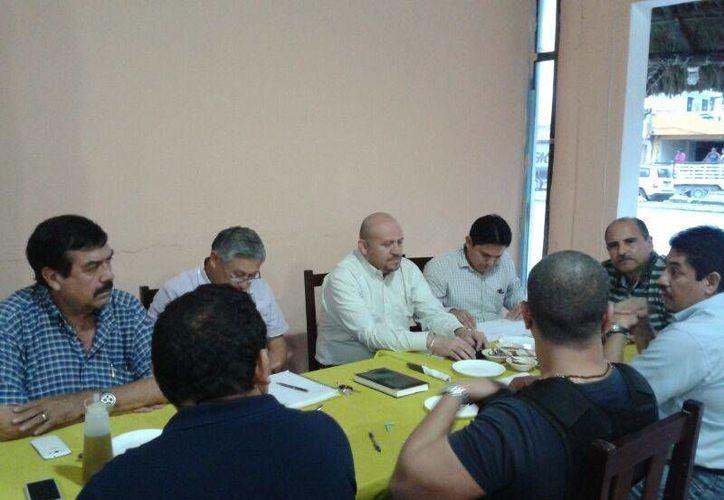 Las autoridades realizaron una reunión de trabajo. (Rossy López/SIPSE)