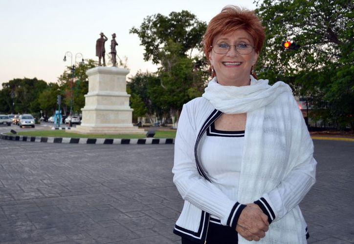 """Susana Alexander dijo que el publico se vuelve cómplice de la conmovedora """"Los Árboles Mueren de Pie"""". (Theani Ruz / SIPSE)"""