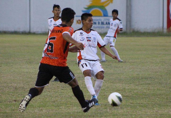 El cuadro cancunense llegará al estadio 10 de abril colocados en octava posición, con 18 puntos, mientras que los felinos suman 12 unidades. (Miguel Maldonado/SIPSE)