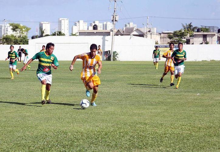 Los Pioneros de Cancún se mantienen en el cuarto lugar de la tabla general con tres unidades, luego de su primera victoria en casa sobre Cuautla. (Archivo/SIPSE)